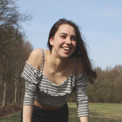 Sarah zoekt een Kamer / Studio in Groningen